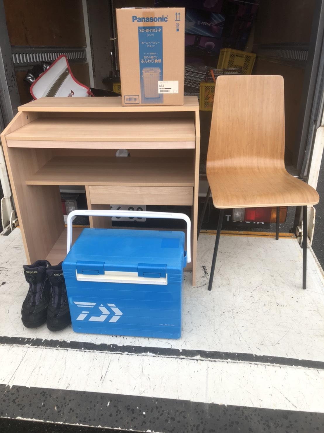 7/3★出張買取にて〈家具・食器・釣具〉買取させていただきました‼️ #出張買取 #マンガ倉庫 #武雄店 #家具 #買取 #家電 #大型 ★